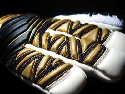Selsport Deflector01 negative cut goalkeeper glove